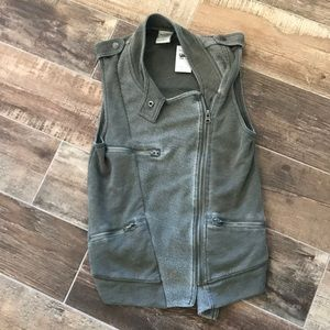 Abercrombie and Fitch soft and comfy vest NWT